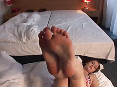 Amazing Teen Footjob and great Load over her Soles