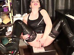 aasstight in latex dress and boots masturbating