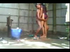 dude seduces and fucks his petite desi girlfriend in open air