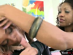 big assed slut roxy nicole tries anal sex on the bench