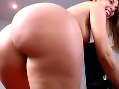 Babe big round ass big tits boobs and tight shaved pussy